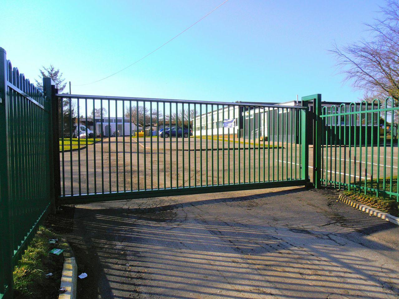 cantonese sliding gates